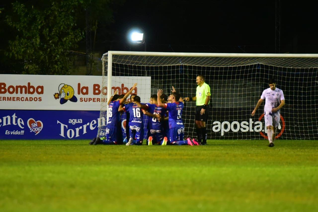 Fuerte en casa. Independiente logró otra victoria en Campo Grande. Foto: Fernando Calistro/Última Hora