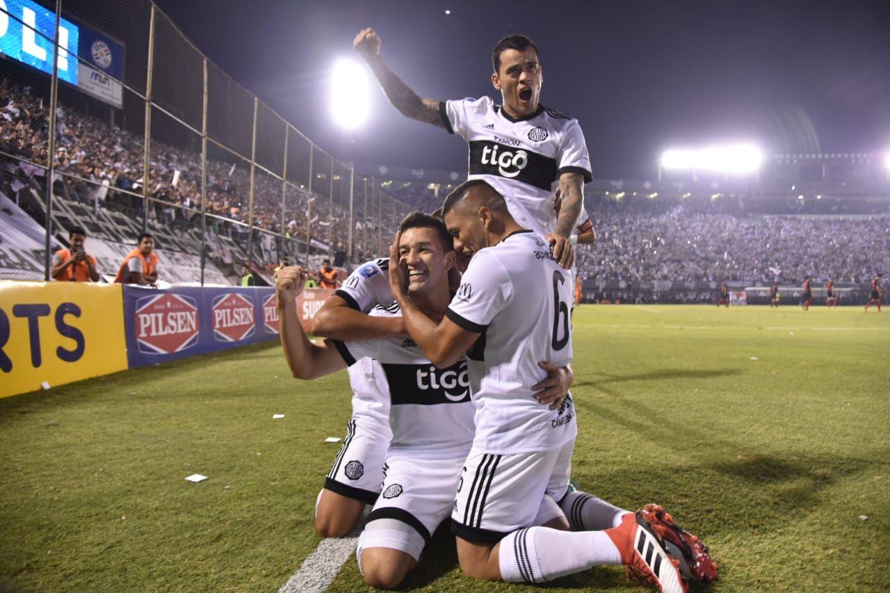 Olimpia es el campeón del torneo Apertura 2018. Foto: Sergio Riveros - UH