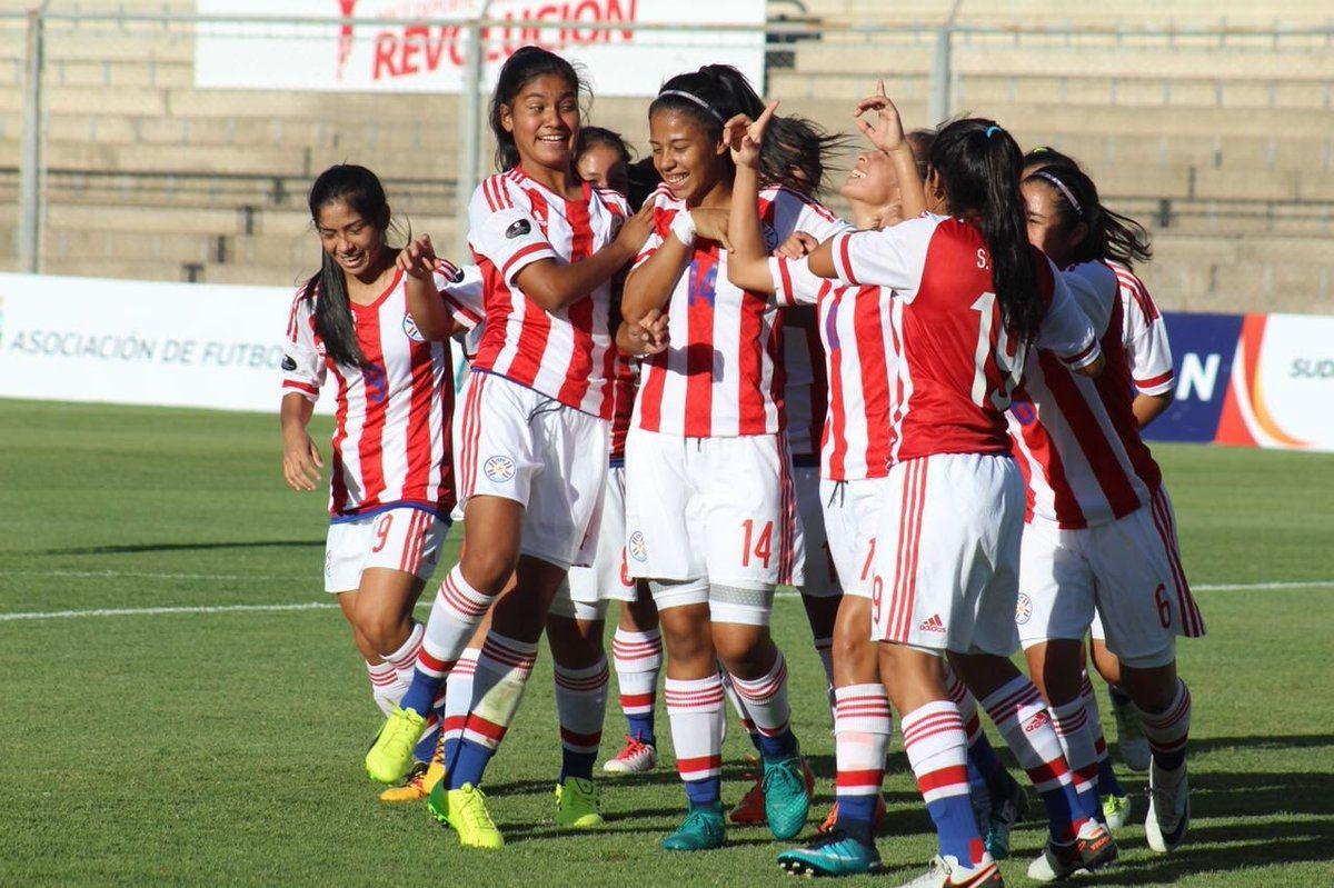 Las chicas festejaron ante Bolivia. Foto: Prensa Albirroja