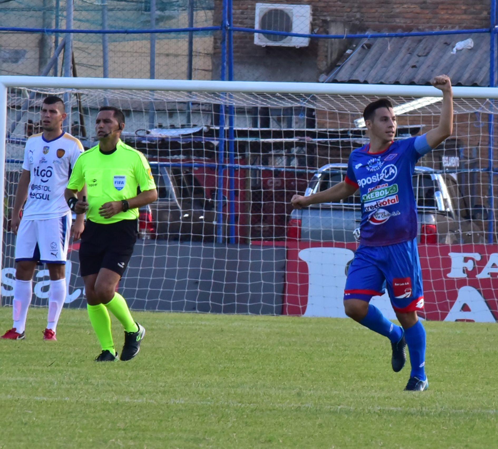 Seba Ferreira es uno de los goleadores del campeonato Apertura. Foto: Última Hora