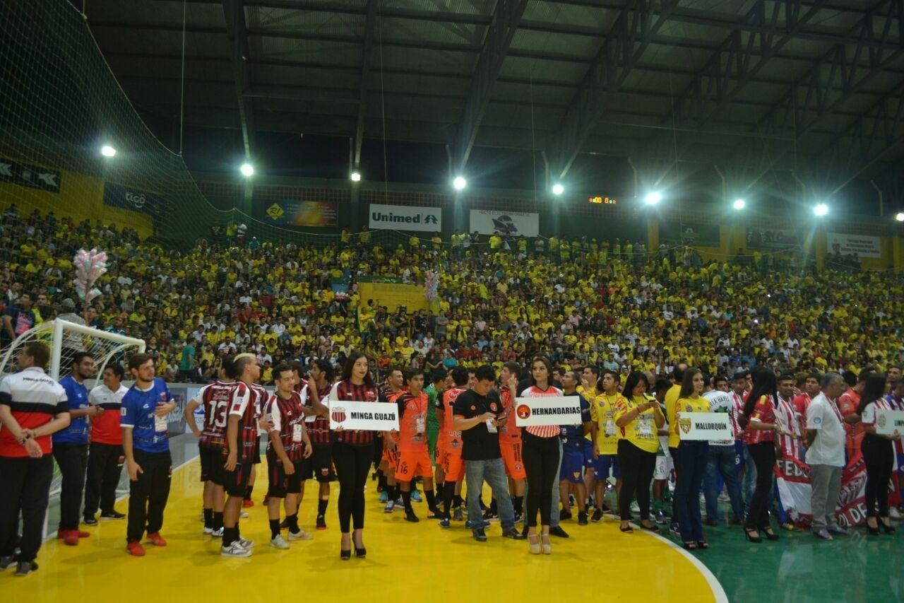 Apasionante apertura del Campeonato Nacional de fútbol de salón. Foto: Última Hora