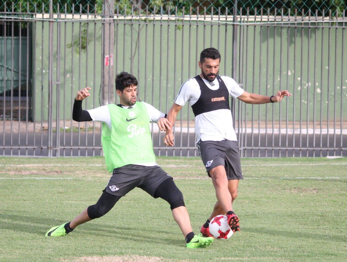 Salcedo (d) es uno de los más avezados del equipo. Foto: Última Hora