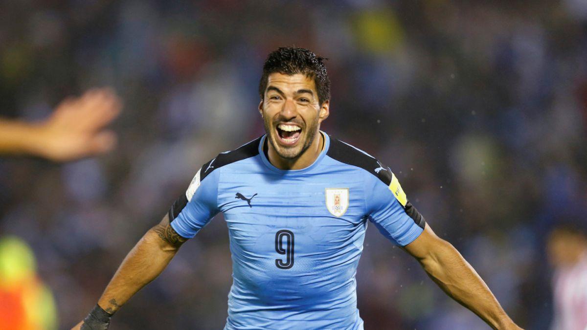 fe345f1379fd8 Luis Suárez celebra diez años de su primer gol con la selección de Uruguay.  Foto  EFE
