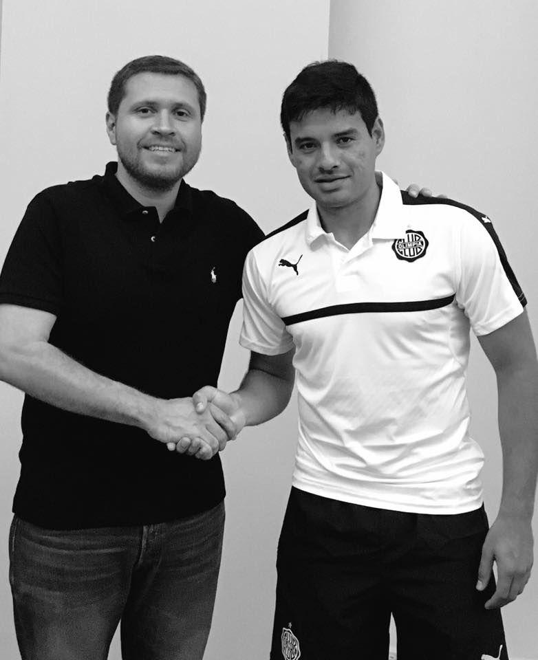 César Benítez vestirá la camiseta decana. Foto: Club Olimpia