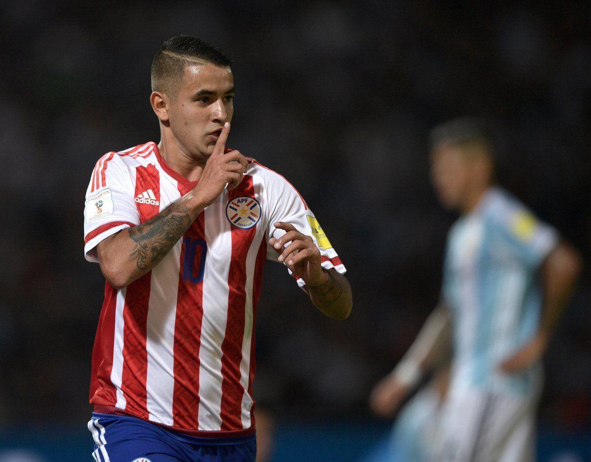 Derlis González regresa a Paraguay en busca de un nuevo panorama. Foto: EFE