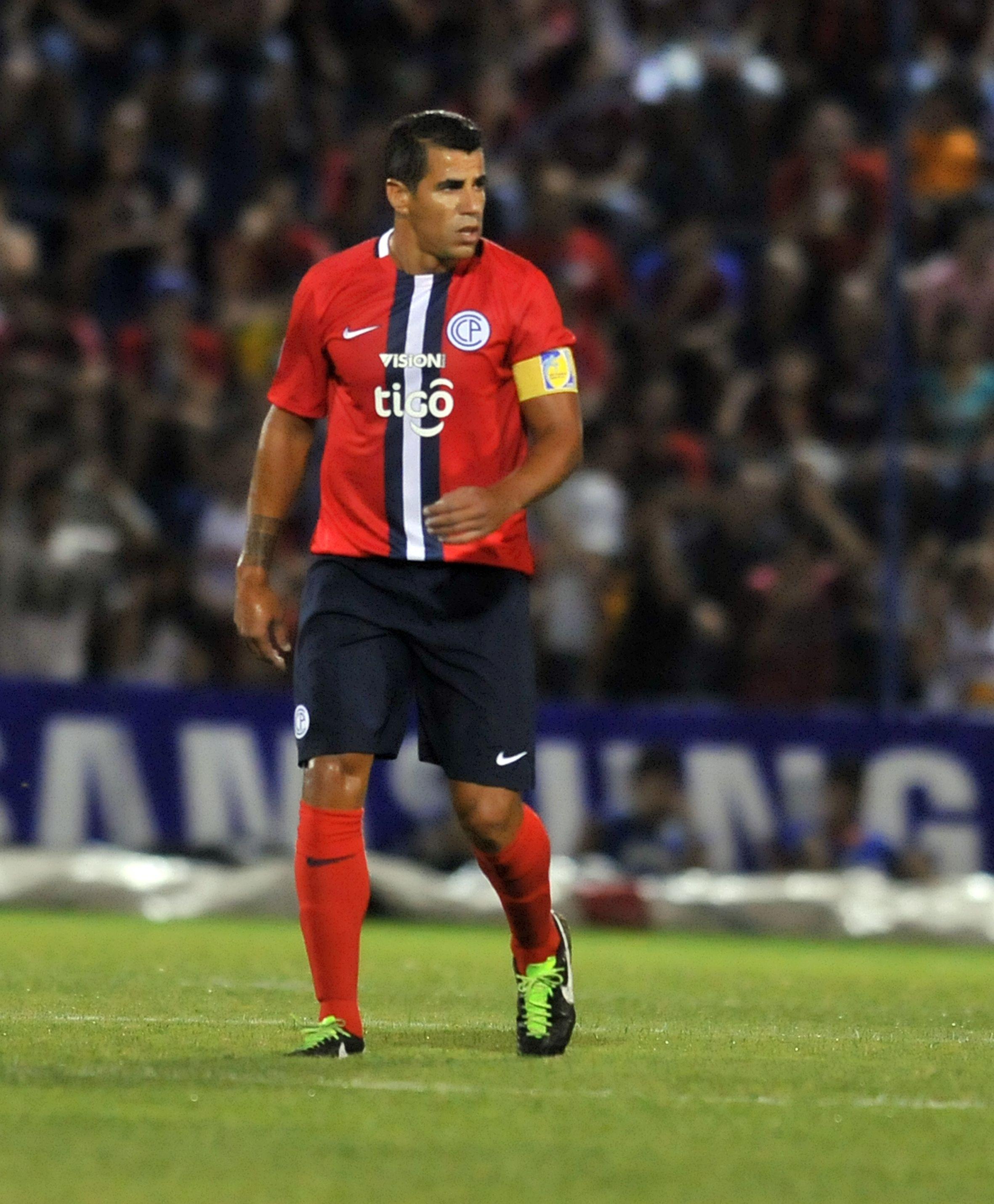 Los Jugadores Que Podrían Salir Del Psg: Carlos Bonet Se Suma A La Lista De Salientes En Cerro Porteño