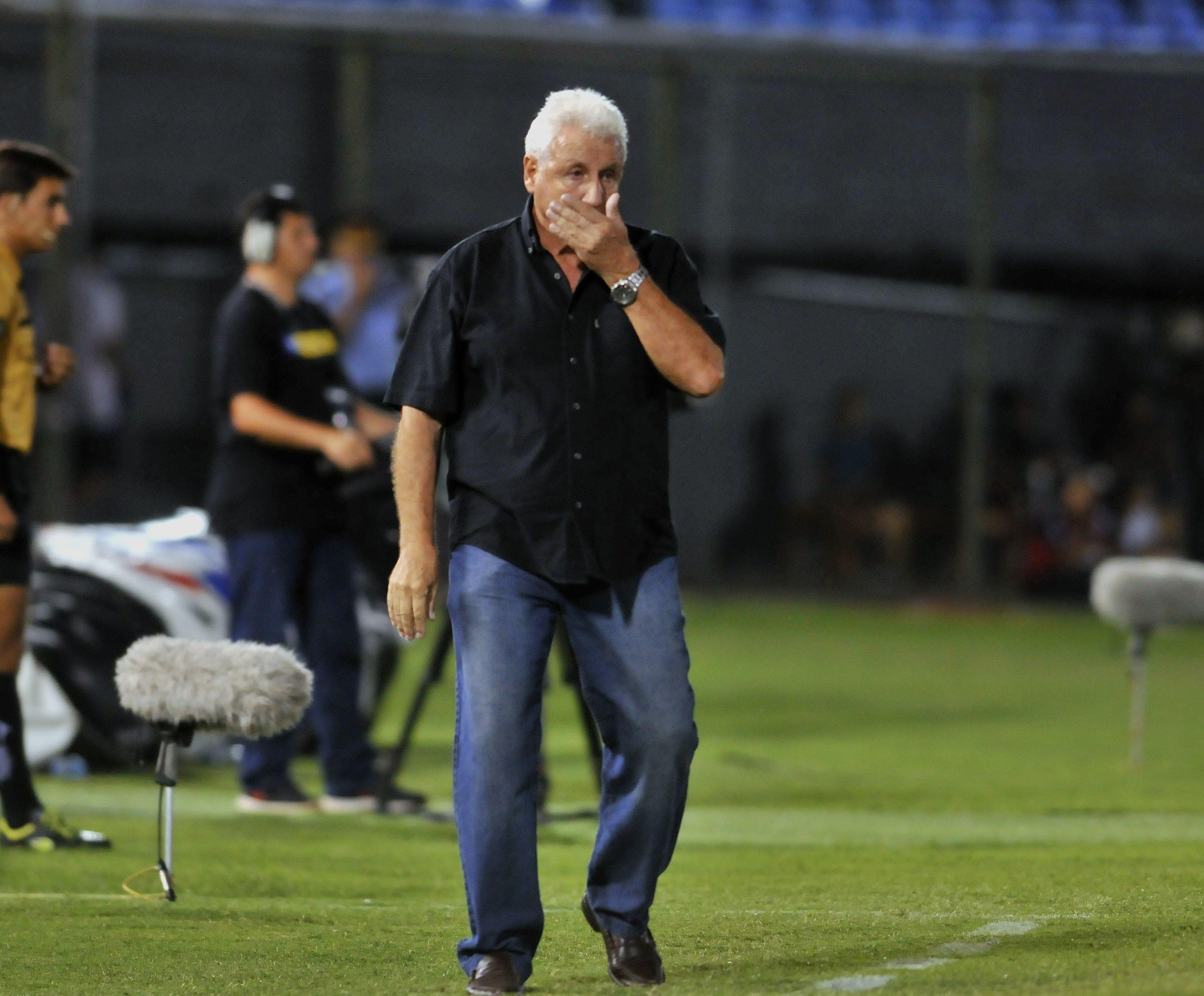 Eduardo Rivera ya no es entrenador de Libertad.Foto: Última Hora