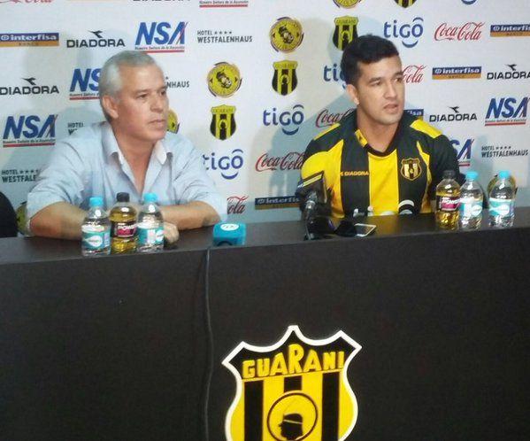 Oficial: Guaraní presenta a Camacho como nuevo refuerzo. Foto: @ClubGuarani