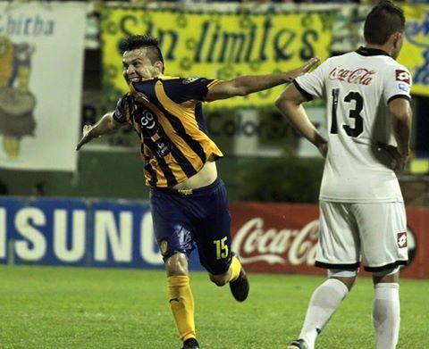 Marcelo Báez marcó el segundo auriazul. Foto: Prensa APF.