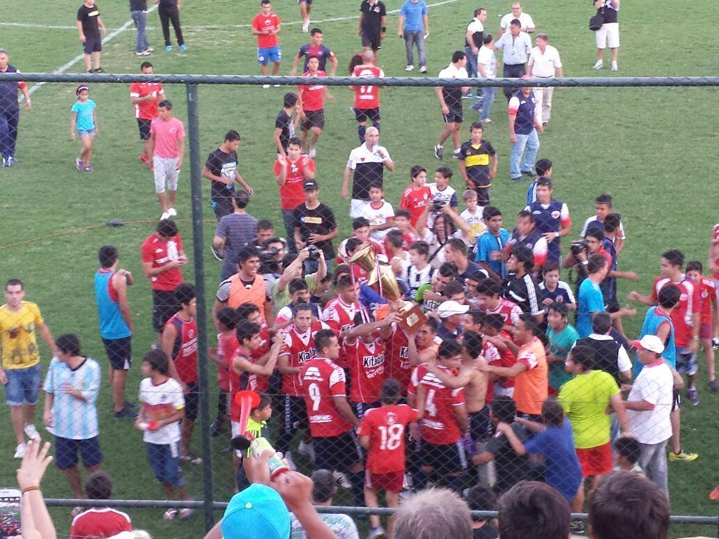 El Rojo vuelve a la Intermedia luego de una temporada en la B. Foto: Èdgar Cantero - D10