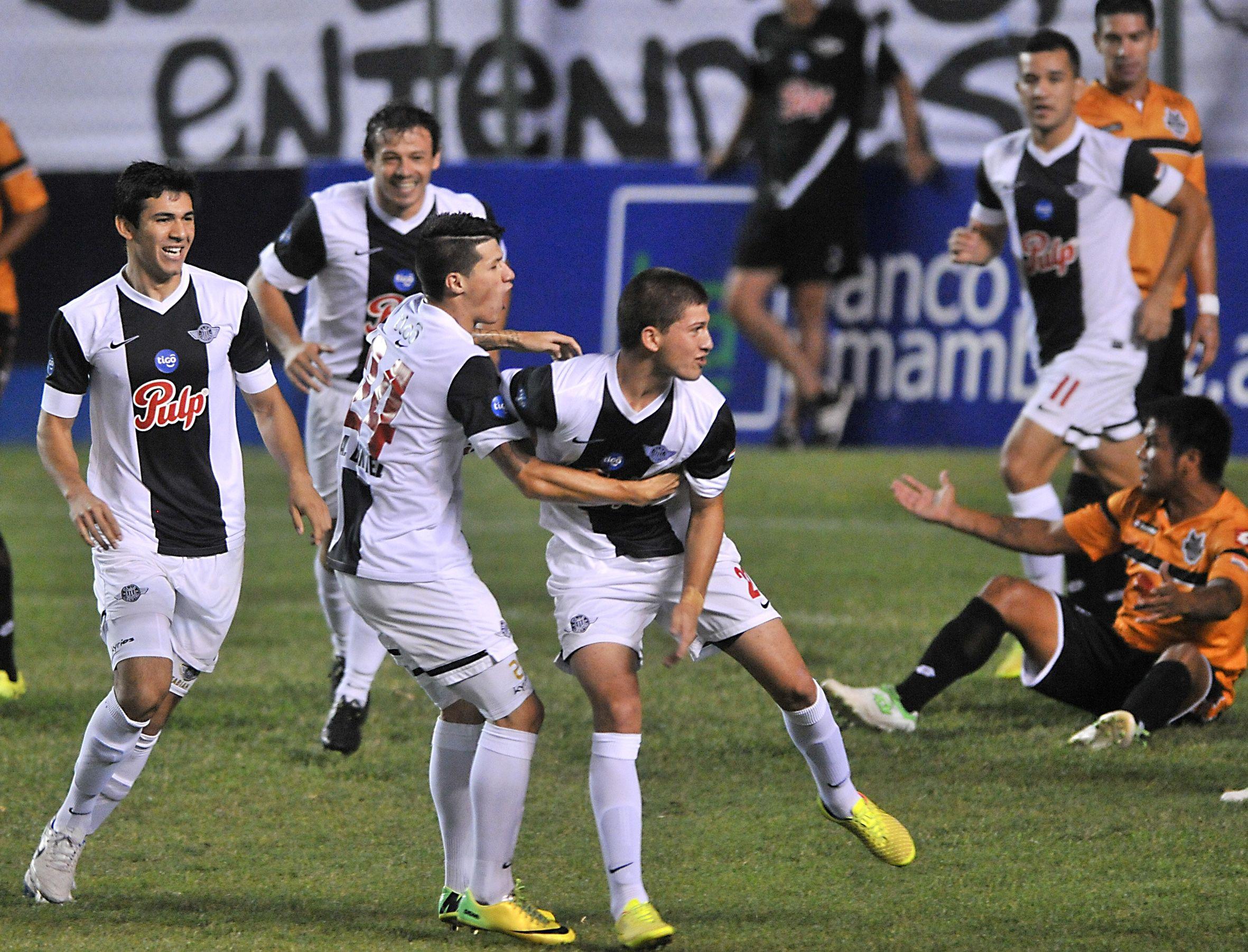 Libertad fulminó 6-0 a General Díaz por la fecha 14 del torneo Clausura. Foto: Daniel Duarte-Última Hora.
