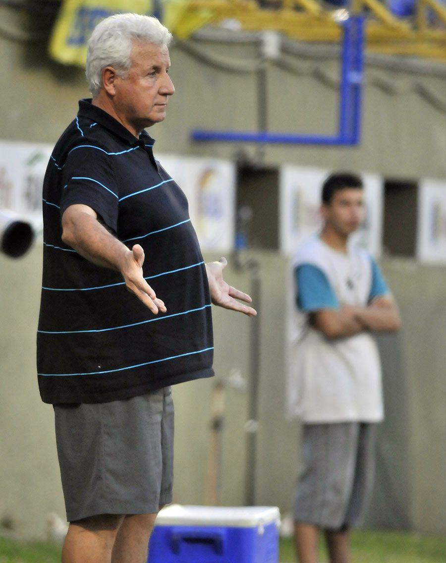 Rivera dirigió este domingo su último partido de auriazul. Fernando Calistro – Última Hora.