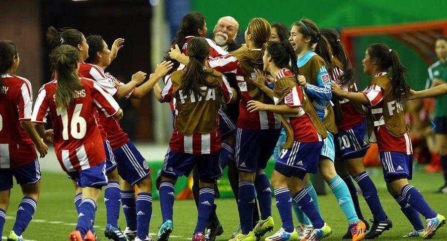 Alegría guaraní. Paraguay mantiene sus chances de avanzar. Foto: Prensa-Albirroja