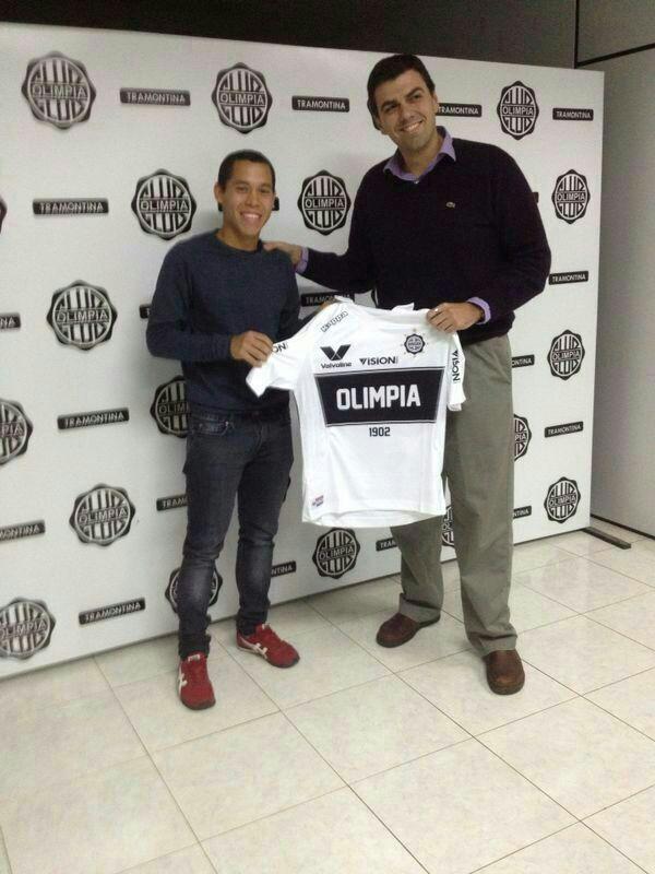 Un europeo en la Villa. Pedro Godoy se pondrá la camiseta del Olimpia en el tonreo Clausura.