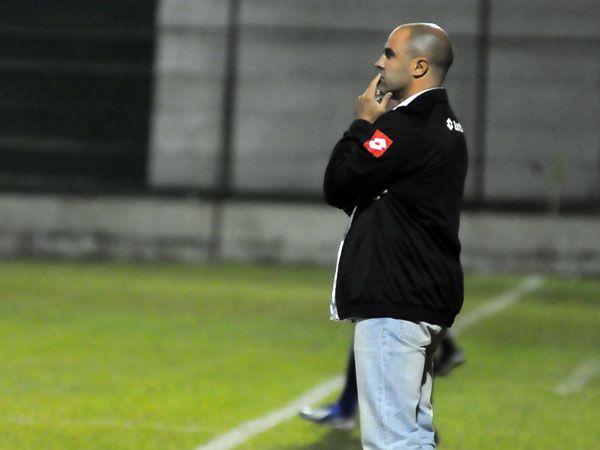 Lisi dejó de ser técnico de Rubio Ñu. Foto: Última Hora