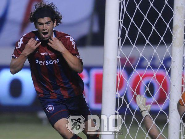 El volante Burgos podría jugar en Luqueño. Foto: Archivo - Última Hora.