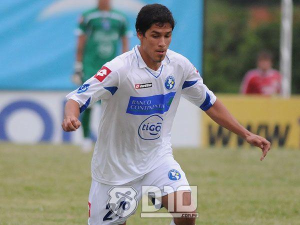El juvenil Bruno Valdez espera seguir ayudando al equipo. Foto: Archivo.