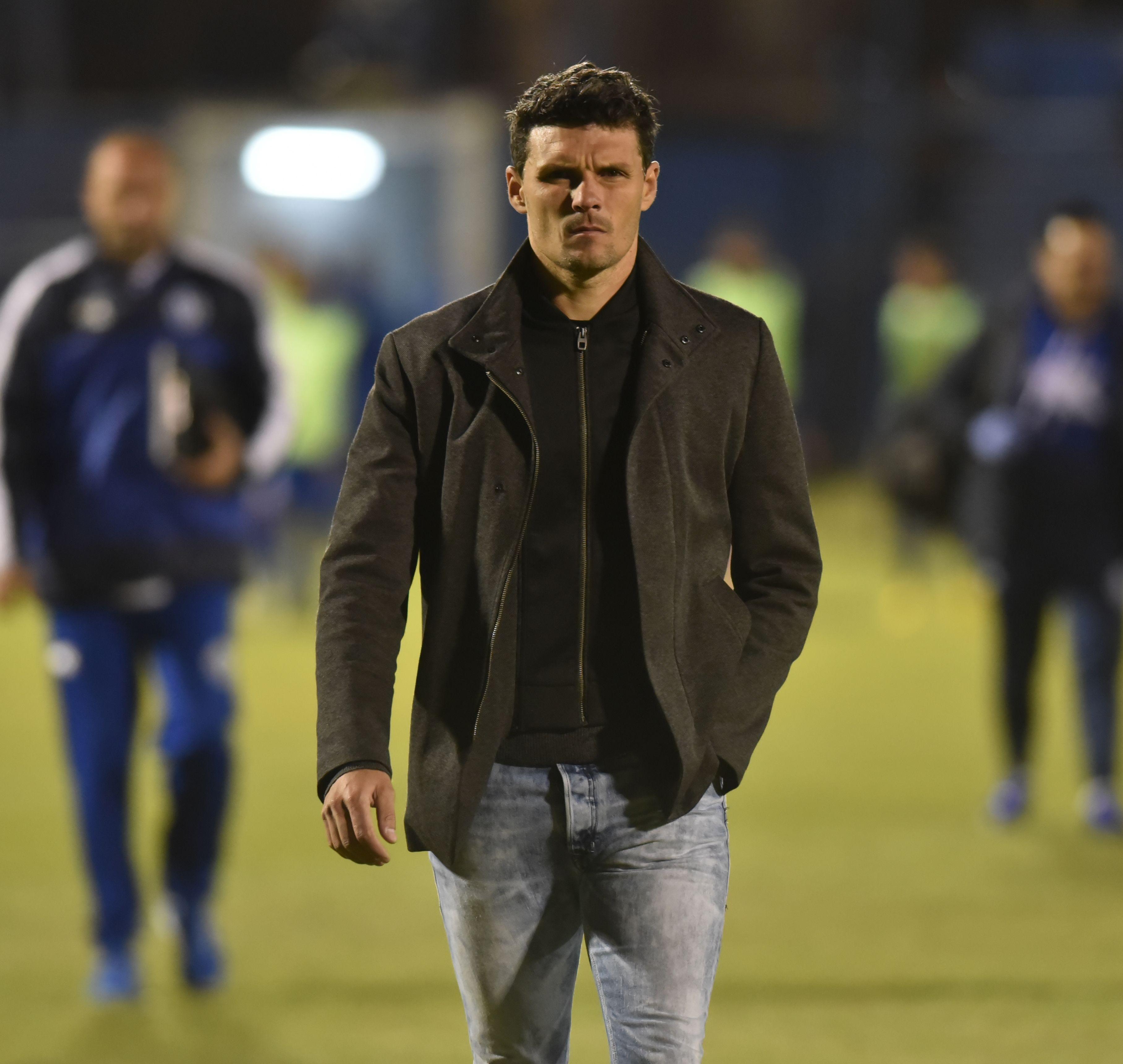 Fernando Ortiz dejó de ser DT de Sol. Foto: Raúl Cañete - Última Hora