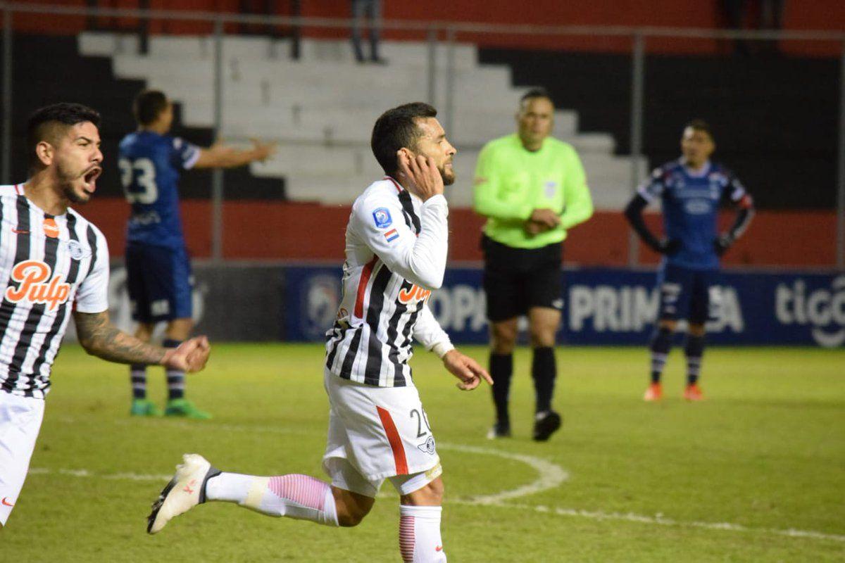 Antonio Bareiro celebra su gol contra Nacional. Foto: @APFOficial