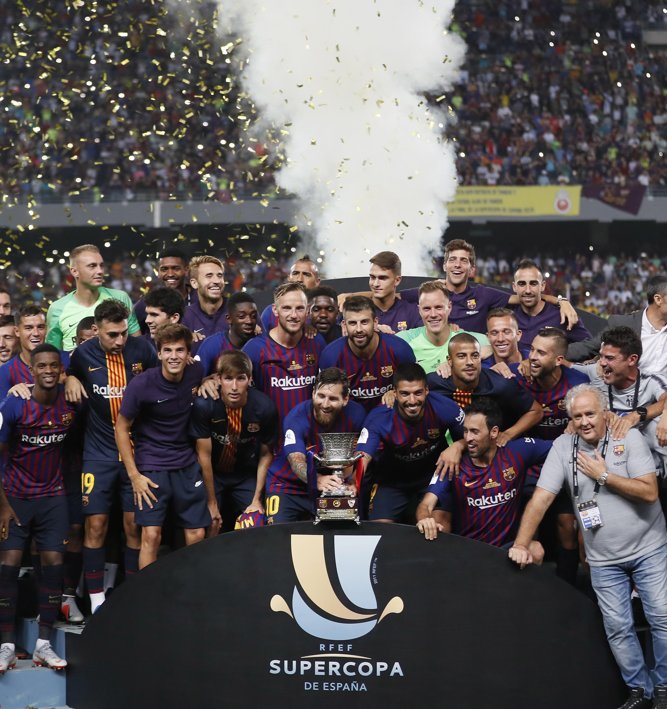 El Barcelona campeón de la Supercopa. Foto: EFE