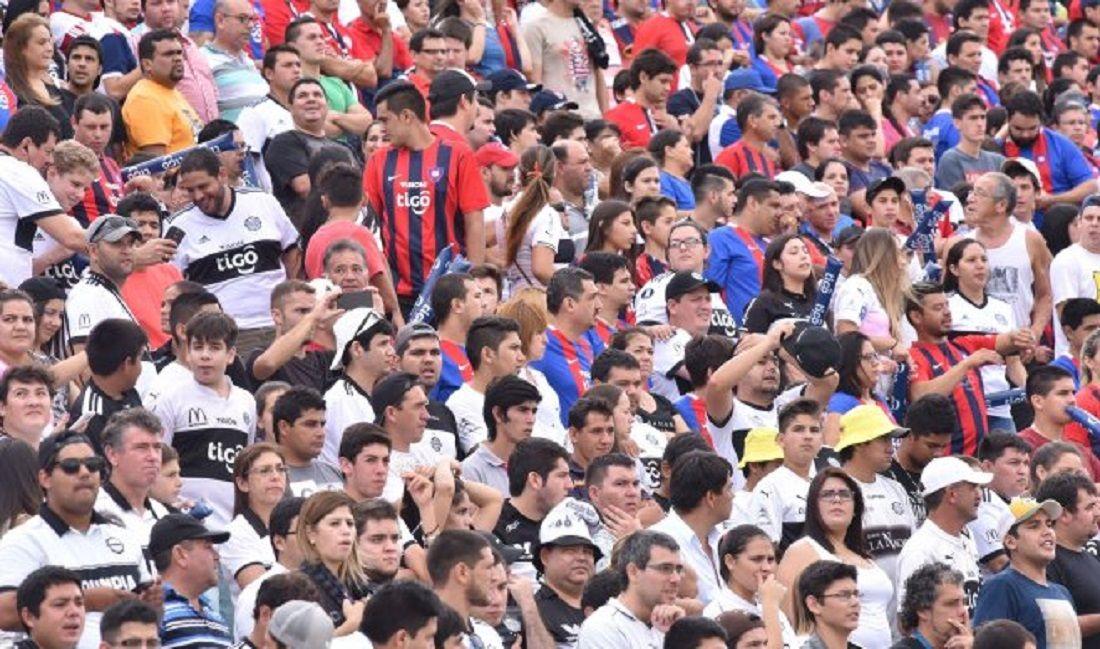 Público de Cerro Porteño y Olimpia durante un clásico. Foto: Archivo