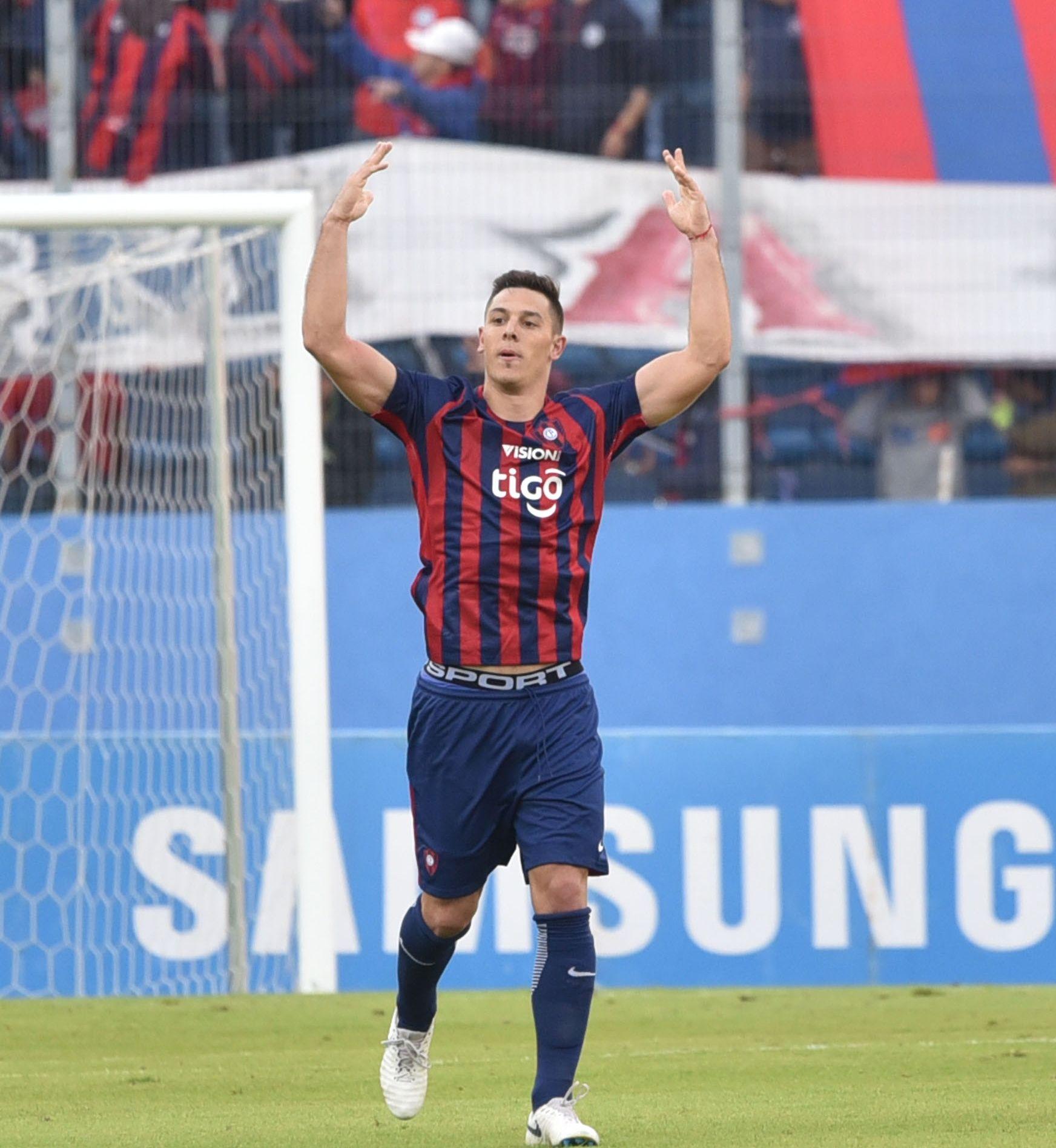 Sinónimo de gol. Diego Churín llegó en silencio a Cerro y en base a goles se convirtió en un referente importante. Foto: José Molinas - Última Hora.