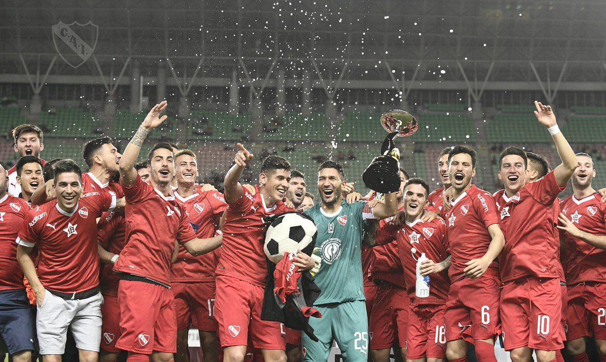 El Rojo amplia su leyenda como Rey de Copas. Foto: @Independiente