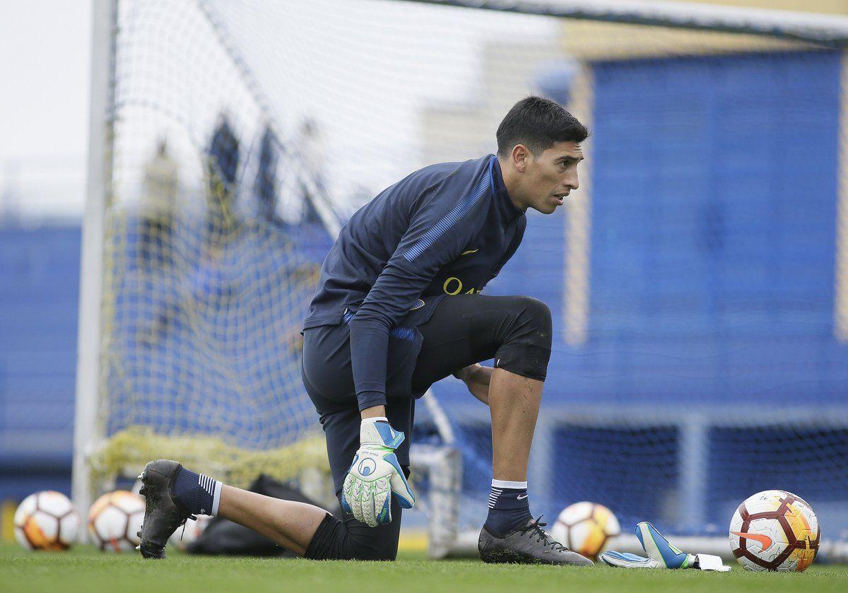 Esteban Andrade podría debutar en el arco de Boca. Foto: Gentileza @BocaJrsOficial