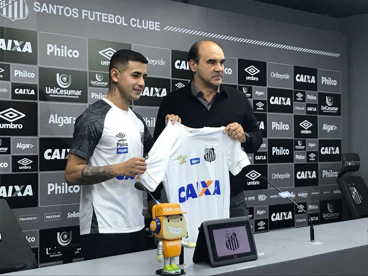 Derlis González durante su presentación en el Santos. Foto: @SantosFC