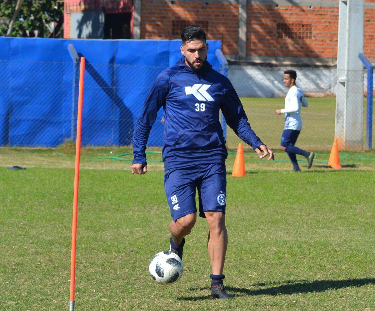 Mario Ricardo entrena en el Danzarín. Foto: Prensa Club Sol de América