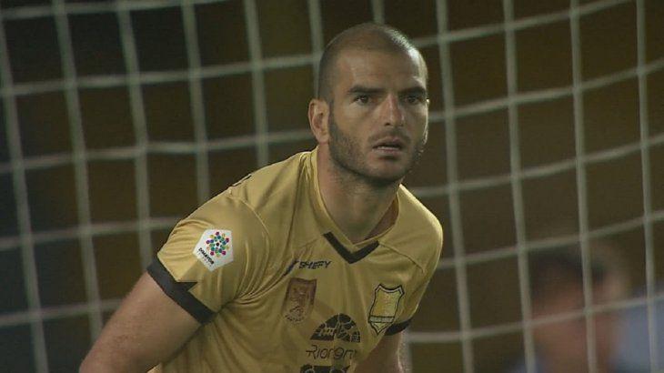 Lucero Álvarez fue suspendido por 8 partidos.