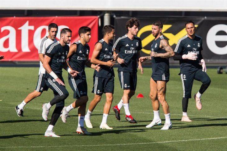 Entrenamiento del plantel del Real Madrid.