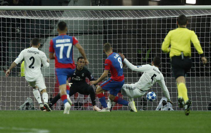 Vlasik marcó para el CSKA ante el Madrid.