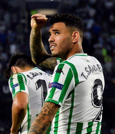 Tonny Sanabria festeja su gol por Europa League.