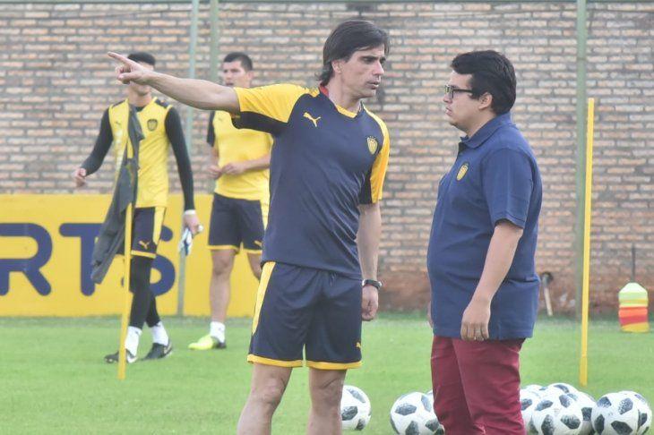 Javier Sanguinetti seguirá trabajando en Luque.