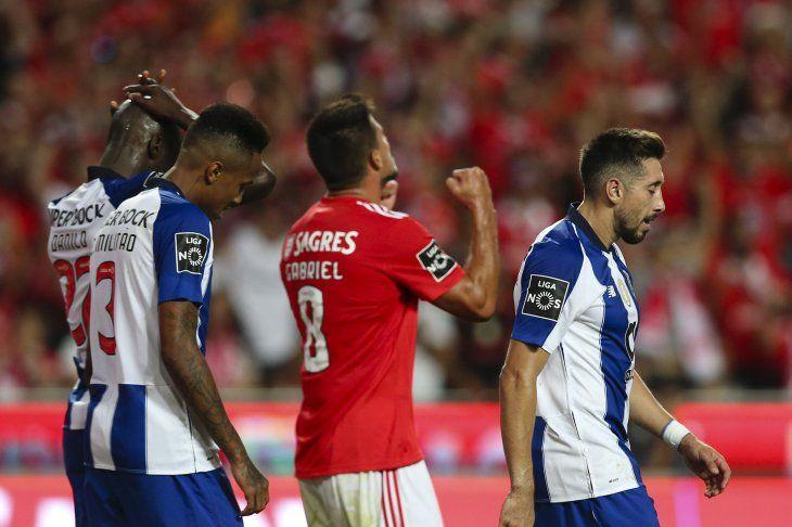 El conjunto del Benfica festejó en el clásico.