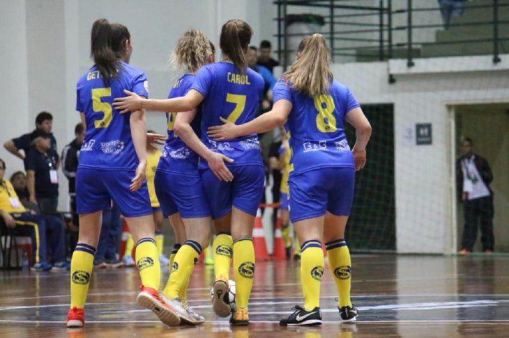 Colonial goleó en el inicio de la Copa Libertadores. Foto:@SportColonial