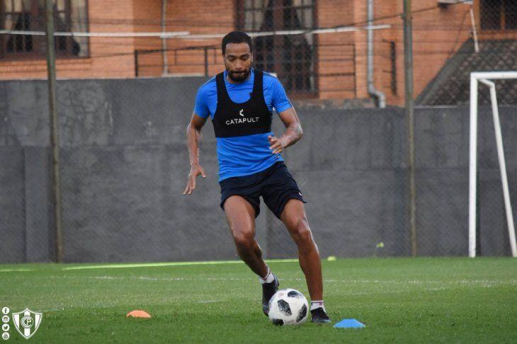 Palito Pereira estaría listo para dentro de tres semanas.