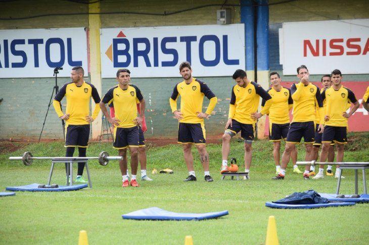 Jugadores auriazules durante un entrenamiento del plantel.