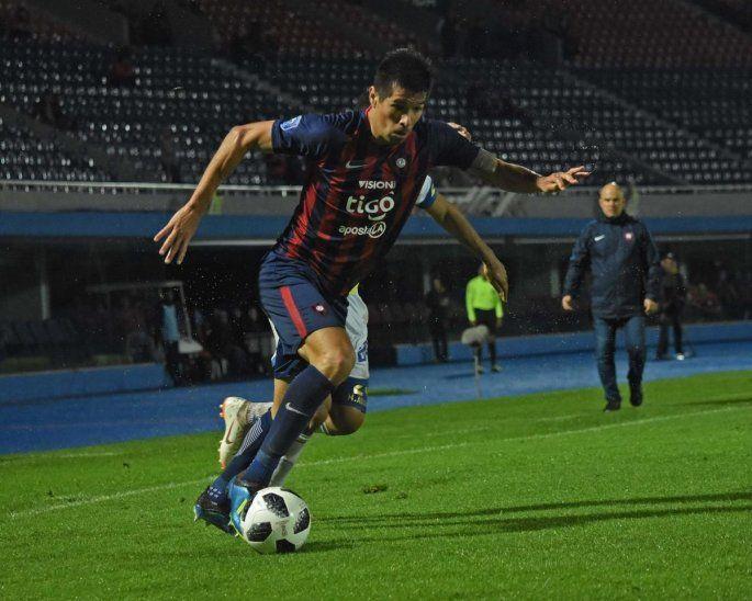 Víctor Cáceres se baja del juego contra Libertad.