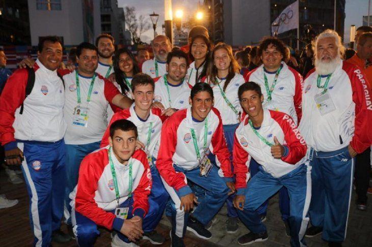 Parte de la delegación paraguaya durante la ceremonia de clausura de los JJOO.