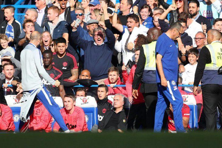 A Mourinho le gritaron el gol en la cara.