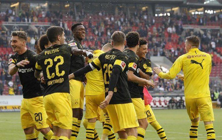 Dortmund sigue en racha.