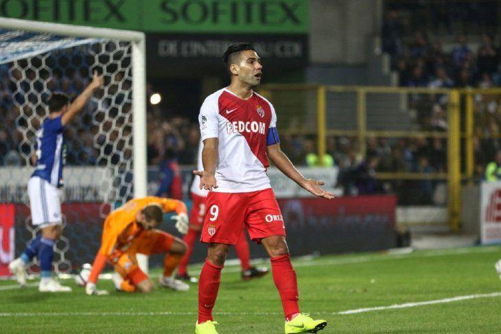 Falcao reacciona durante la derrota del Mónaco.