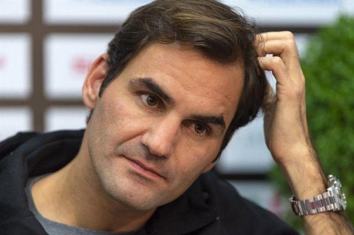 Federer admite que tiene problemas en la mano derecha desde la gira de hierba.