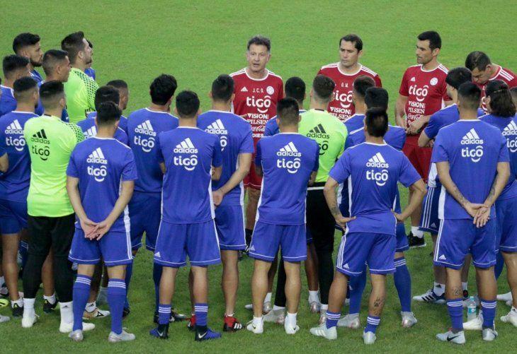 La Albirroja de Osorio busca rivales para noviembre.