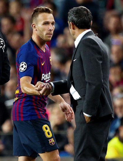 Arthur se suma a Neymar