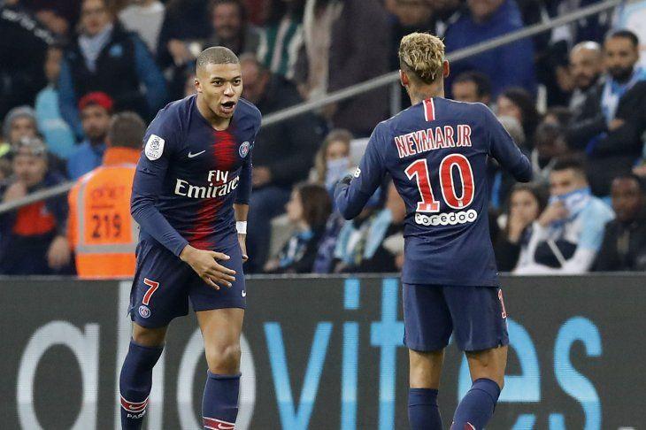 PSG prolonga su buen andar en Francia.