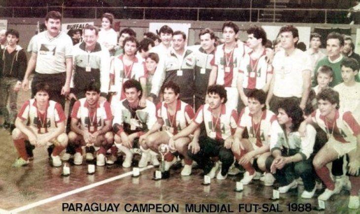 LOS CAMPEONES. Plantilla de la Selección Paraguaya de fútbol de salón