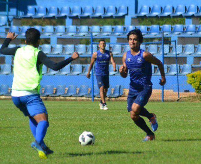 Los Dragones Azules de Villa Elisa enfrentan a Santaní.